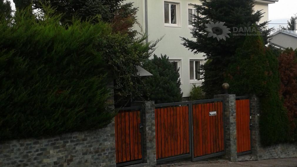 Prenájom - 3izb.RD s upravenou záhradou + hosťovský domček, garáž, BA - Koliba