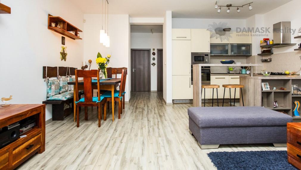 Predaj praktického dvojpodlažného 5 izbového bytu v tehlovom rodinnom dome - Stupava